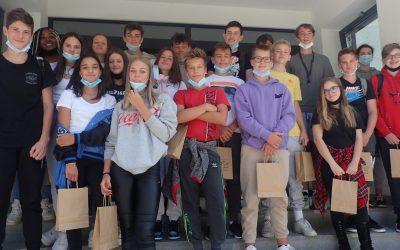 Devetošolci obiskali ŠC RS